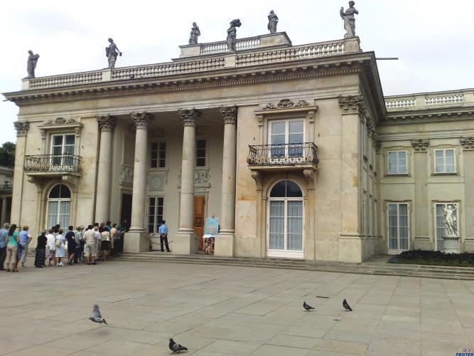 Osuszanie Pałacu Na Wyspie W łazienkach Królewskich